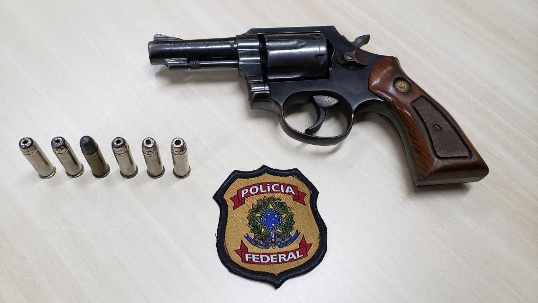 PF prende homem que tentava embarcar armado no aeroporto de Natal