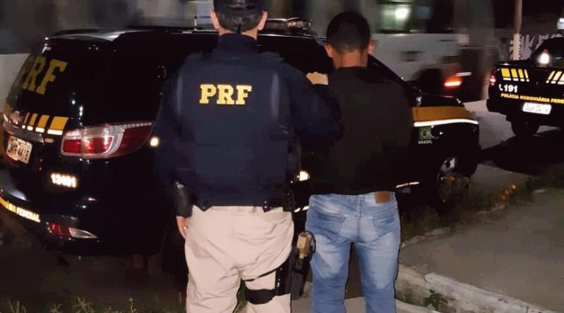 PRF prende em Natal fugitivo da Penitenciária de Mossoró