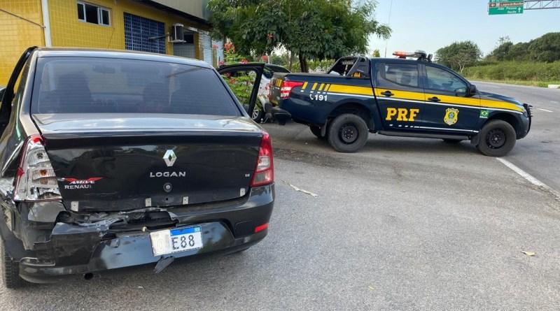 PRF recupera veículo roubado e prende dupla em São José de Mipibu