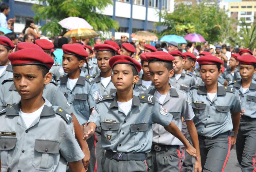 Escolas cívico-militares estarão em 23 estados e no Distrito Federal em 2020