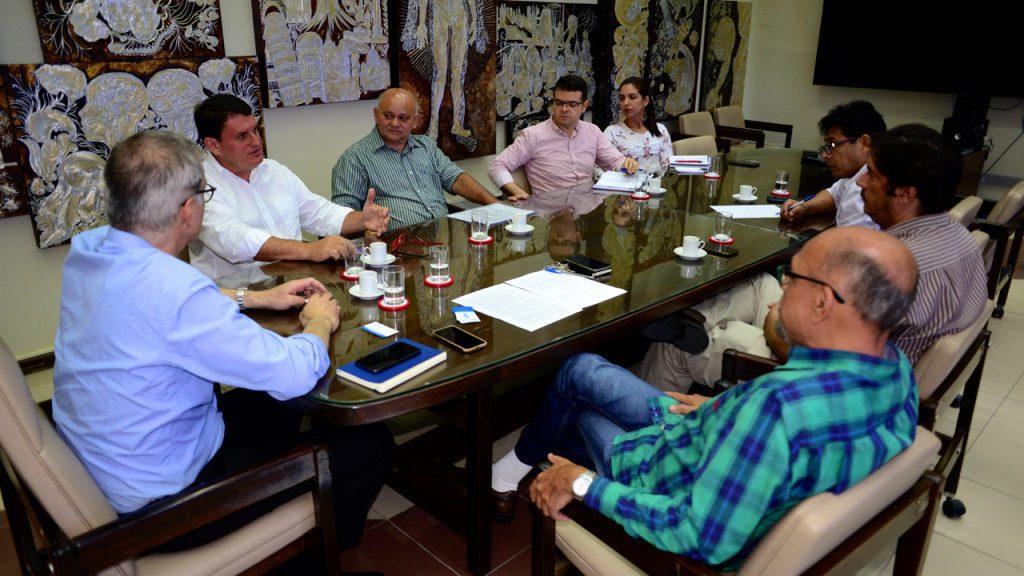 UFRN e prefeitura de Parelhas discutem projeto têxtil