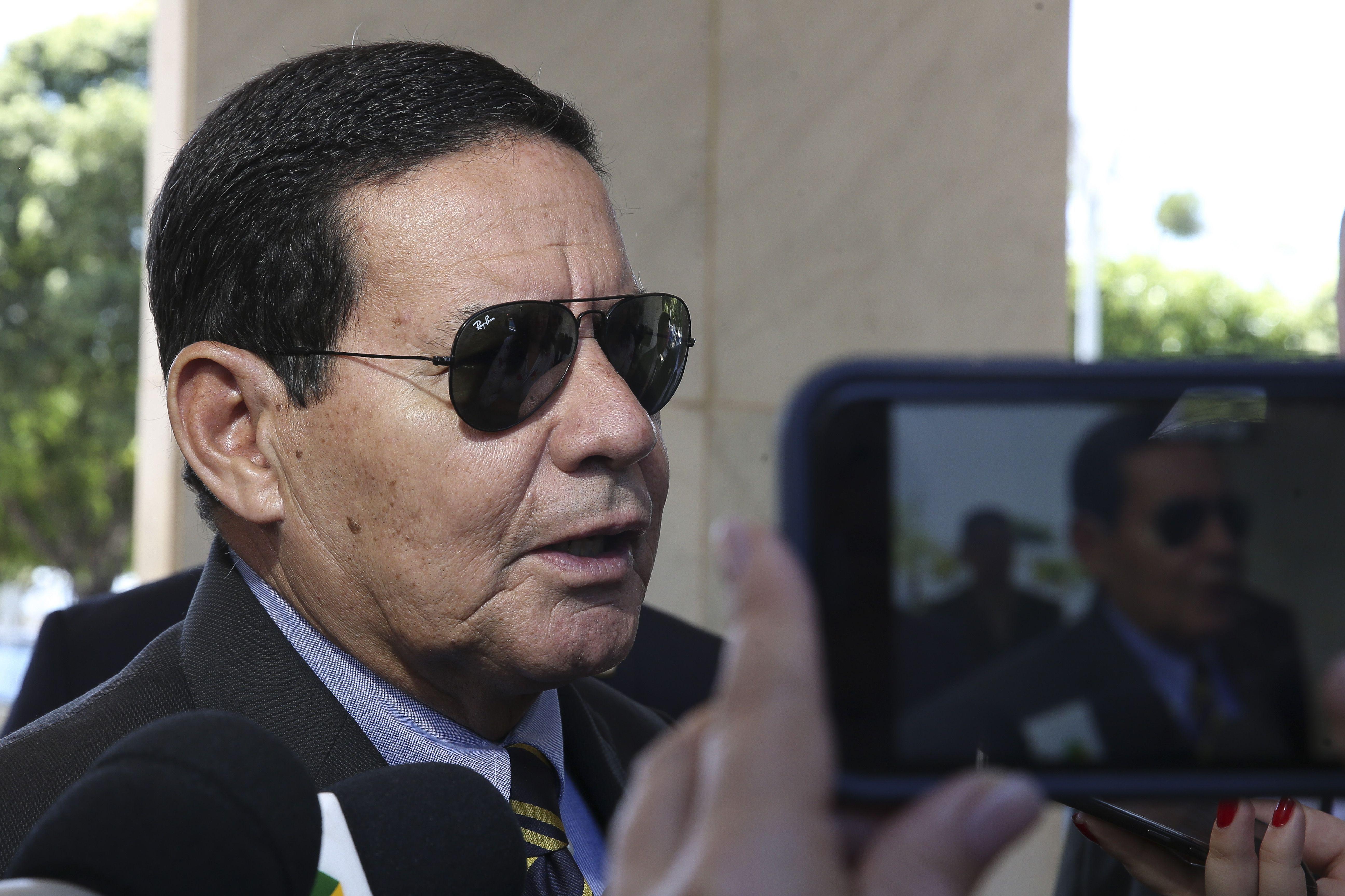 Mourão reforça soberania, mas faz mea-culpa sobre Amazônia