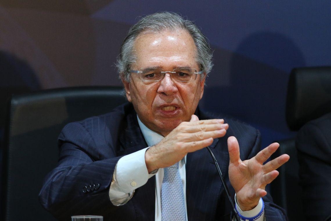Bolsonaro mantém Paulo Guedes mas com 'prazo de validade'