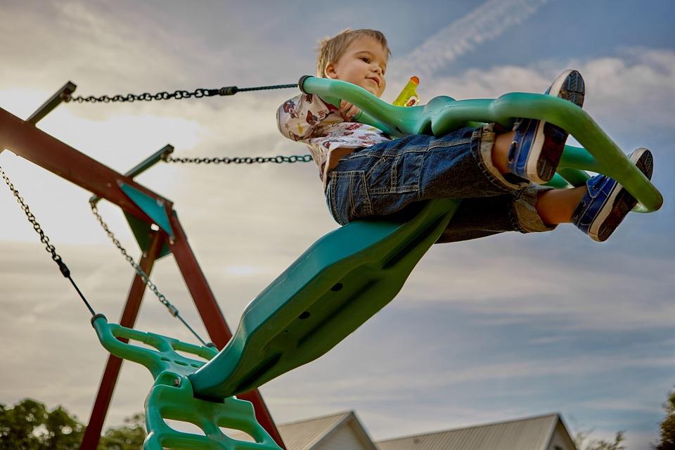 Pediatra fala sobre atividades físicas para crianças em cada idade