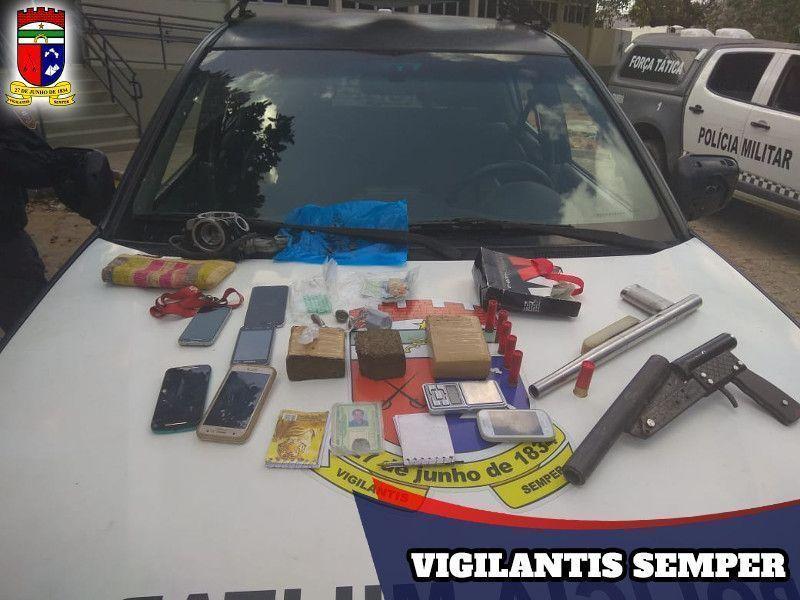 Polícia Militar apreende 10 armas, 50 munições e dois coletes durante feriadão