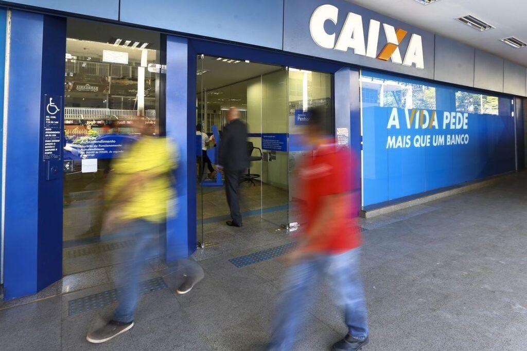 Bancos abrem em horário especial no dia 24