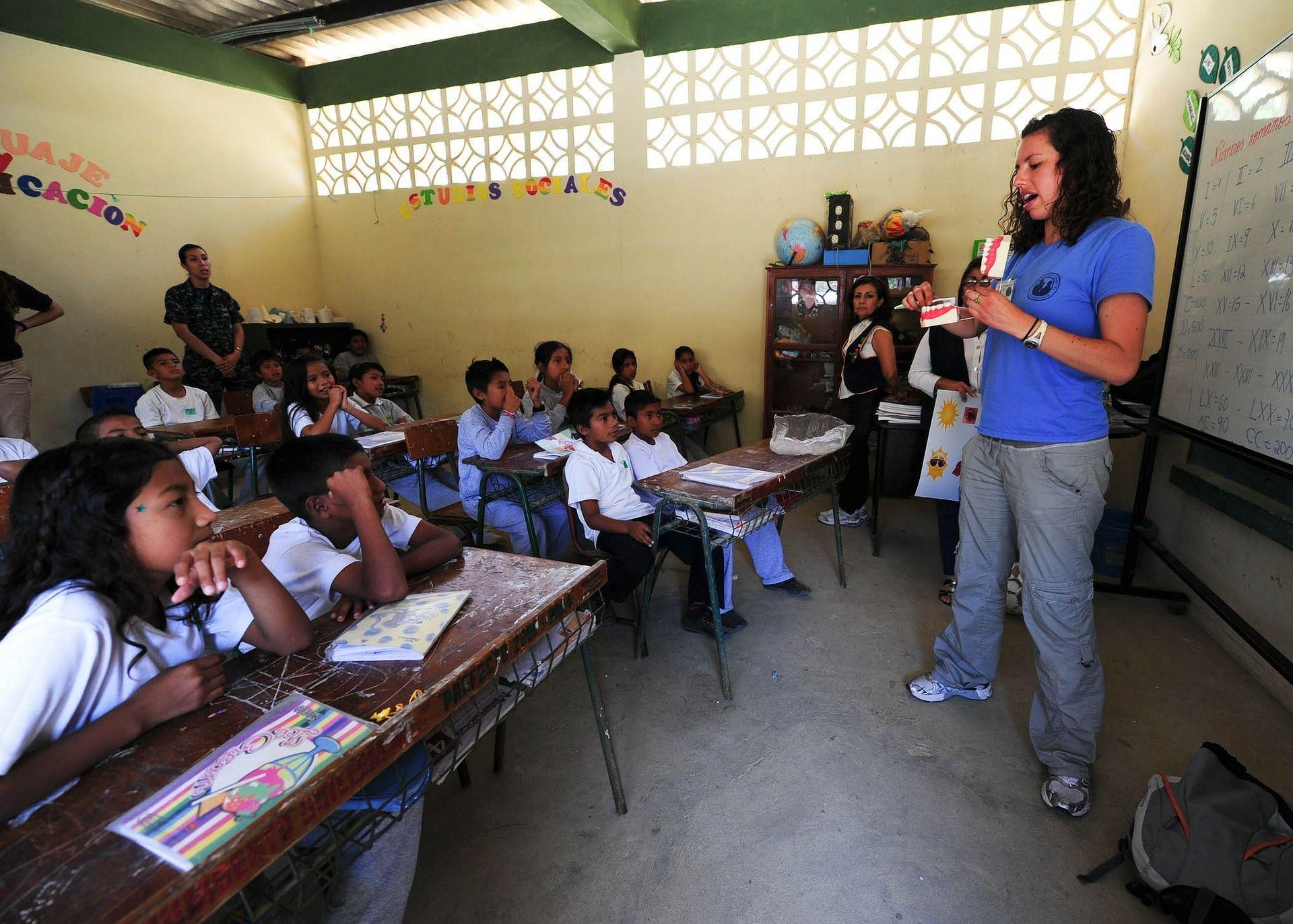 Brasil fica abaixo da média em avaliação internacional da educação básica