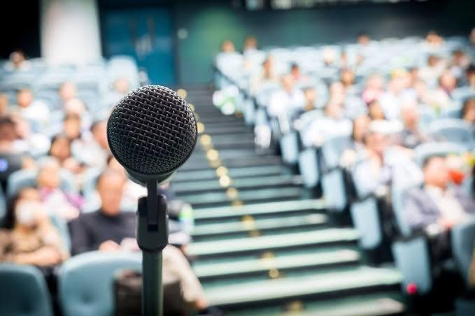 Como falar bem em público?