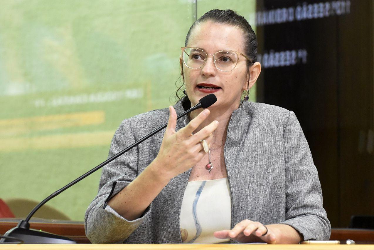 Deputada propõe cota de vagas para pessoas negras em concursos públicos no RN