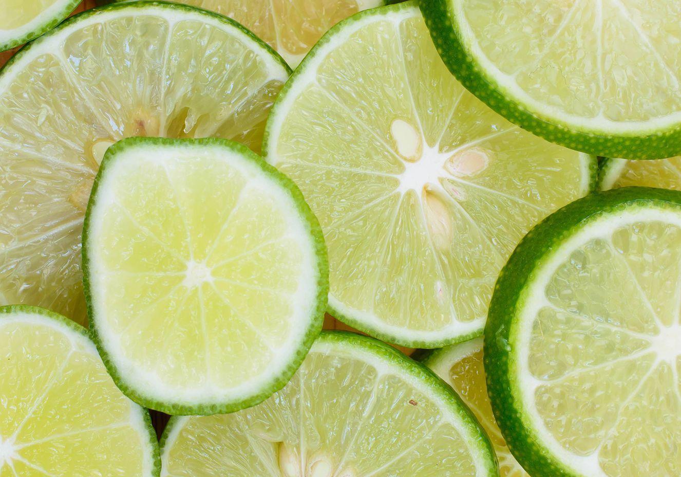 Dieta do limão provoca erosão dentária e aumento de cáries entre as mulheres