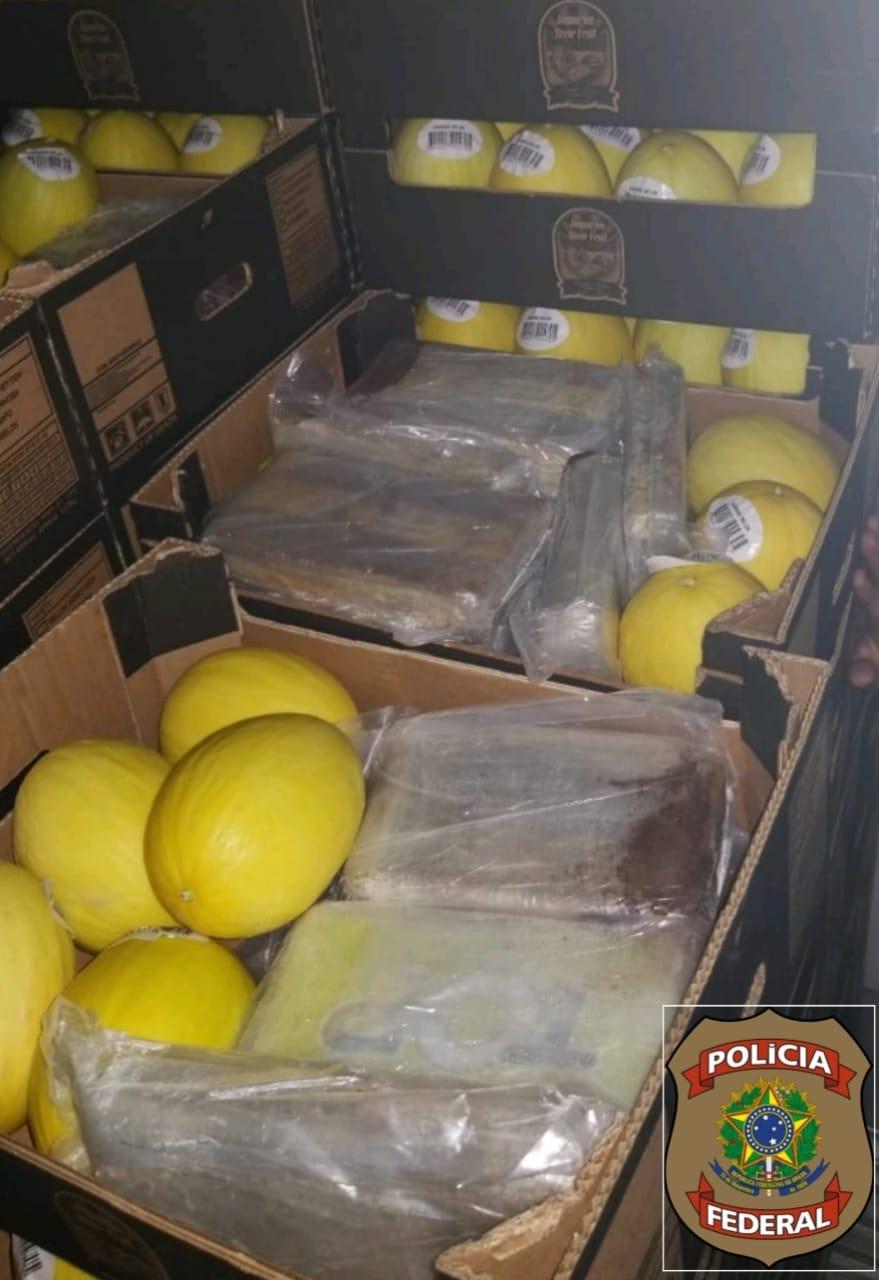 PF aprende 1,2 tonelada de cocaína em Parnamirim