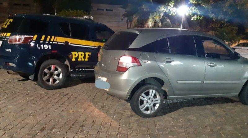 PRF prende dois adolescentes com veículo roubado em São José de Mipibu