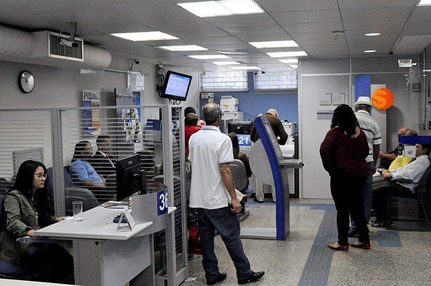 Sancionada lei que aumenta valor do saque do FGTS para R$ 998