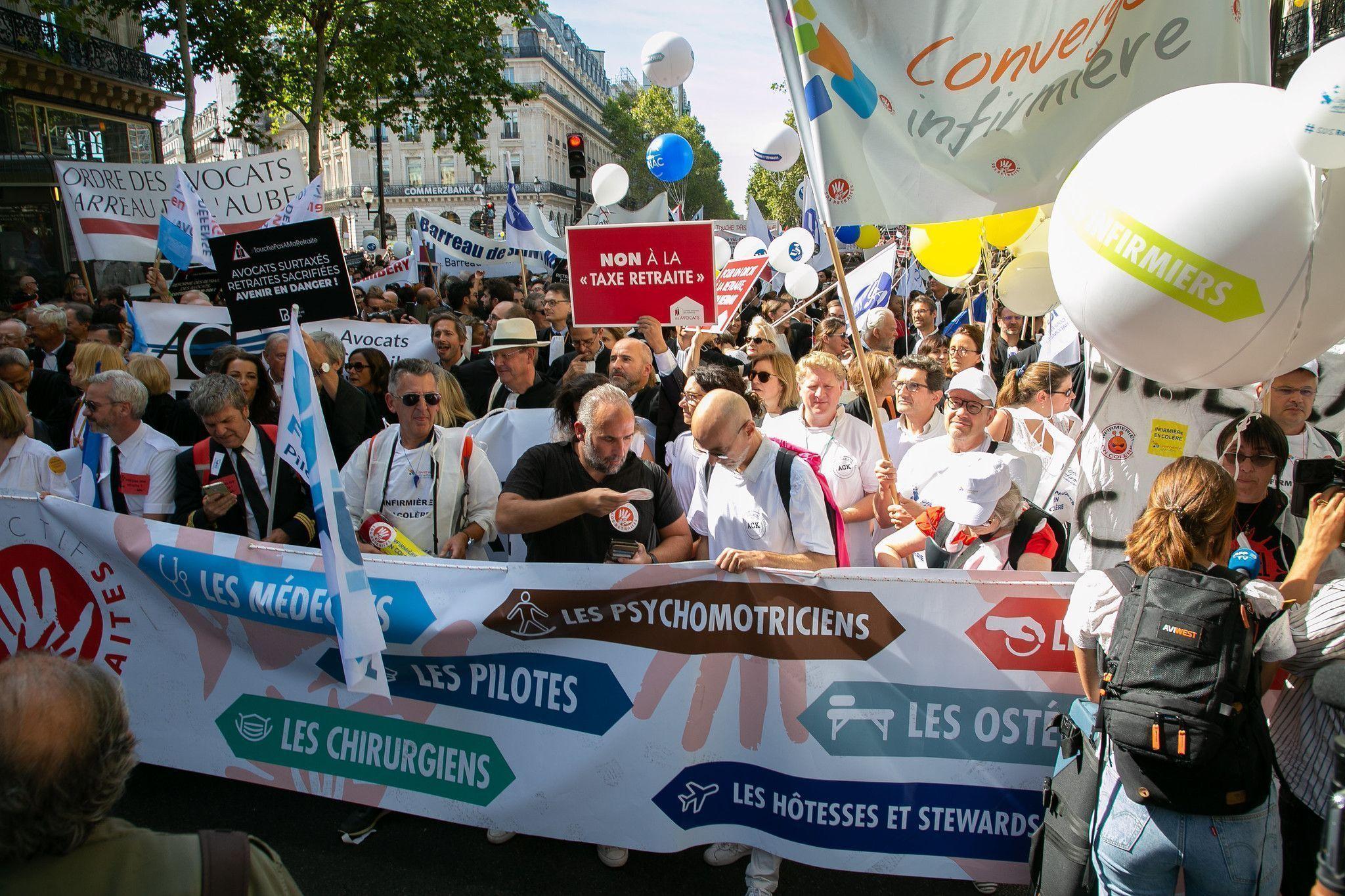 França tem greve geral contra reforma da previdência