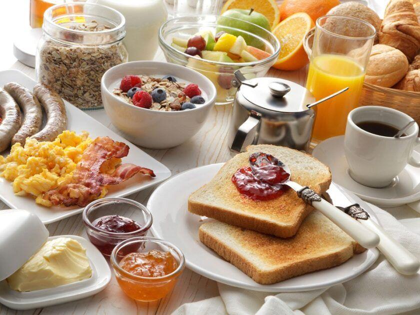 Café da manhã é vital para encarar o dia? Veja 8 mitos e verdades sobre a refeição