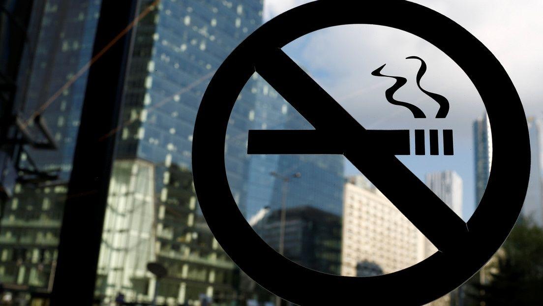 Empresário inglês concede 4 dias extras de férias a funcionários que não fumam