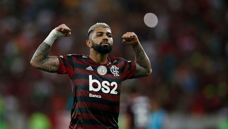 Gabigol anuncia permanência no Flamengo
