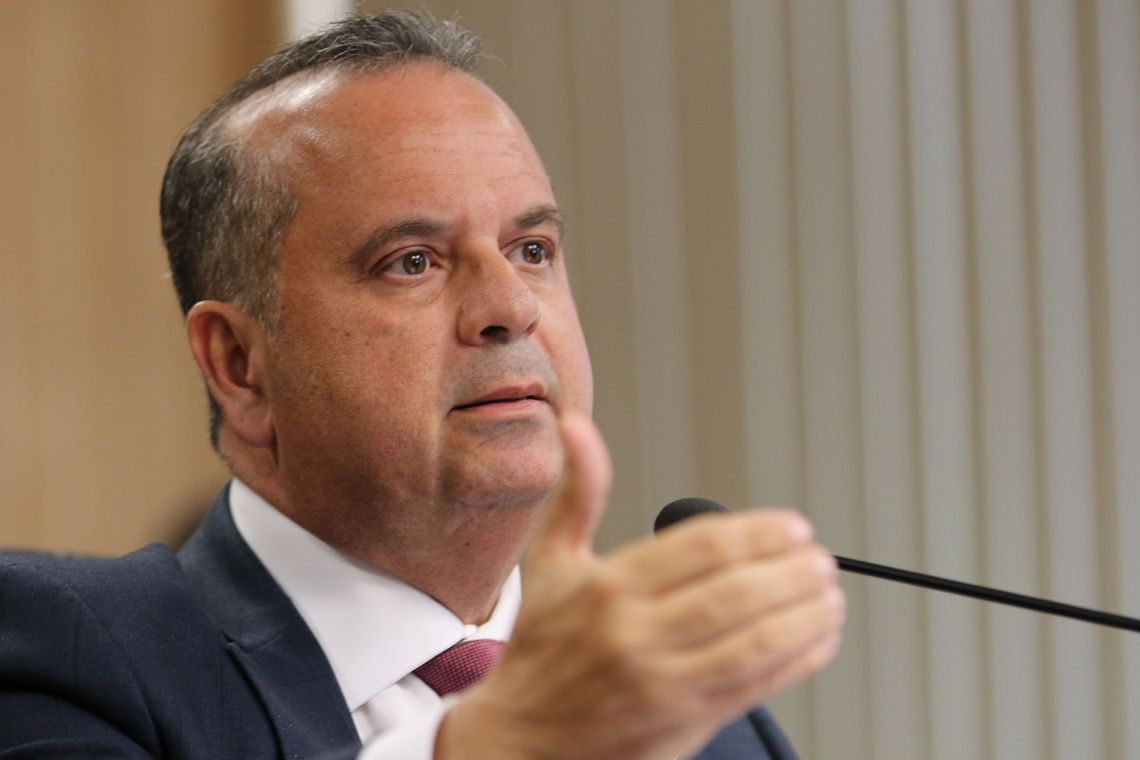 Governo vai contratar 7 mil militares para reforçar atendimento no INSS