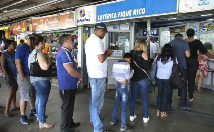 Mega da Virada arrecadou mais de R$ 1 bilhão e só pagou R$ 304,2 milhões de prêmio