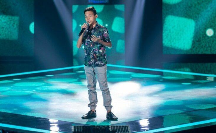 """Potiguar 'Benício Abraão' é destaque no The Voice Kids cantando """"O Caderno"""", de Toquinho"""