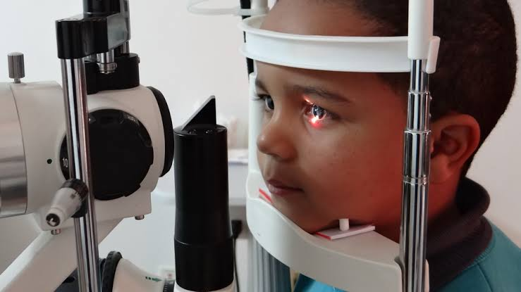 Volta às aulas check list inclui visita ao oftalmologista
