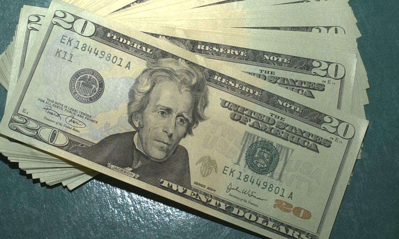 Dólar atinge novo recorde desde a criação do real