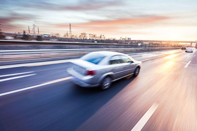 """Justiça do Trabalho do RN garante indenização a motorista """"empurrado de carro em movimento"""""""