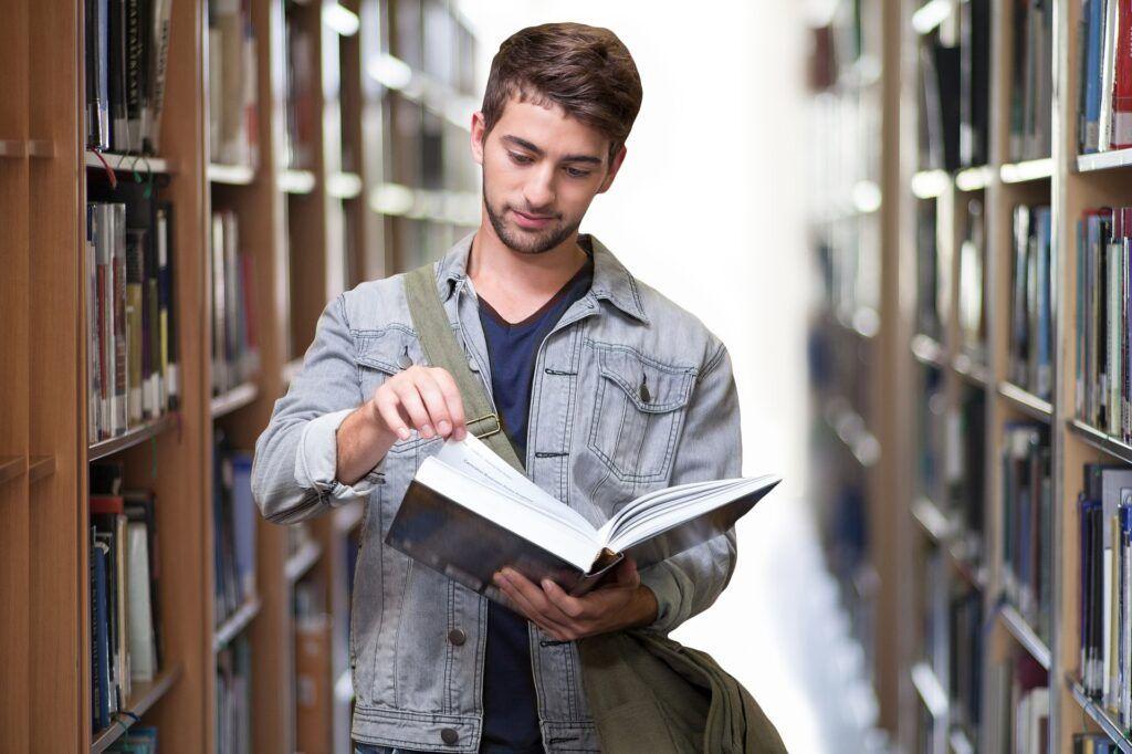 Universidades no exterior ofertam bolsas de estudo