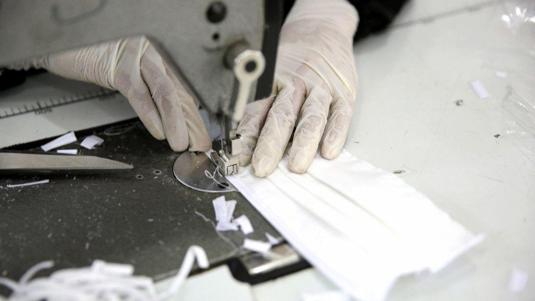 Japonesa de 13 anos fez manualmente mais de 600 máscaras para combater o coronavírus