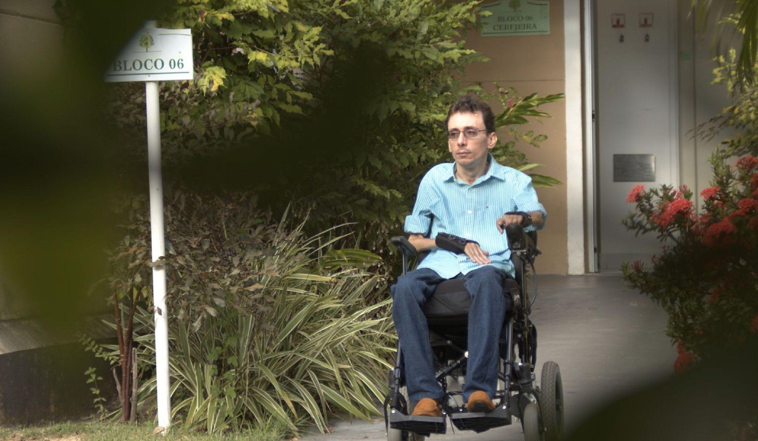 Formado em Psicologia, tetraplégico vence desafios e dá exemplo de superação