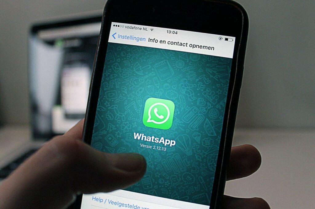 No RN babá consegue comprovar vínculo empregatício com mensagens do WhatsApp