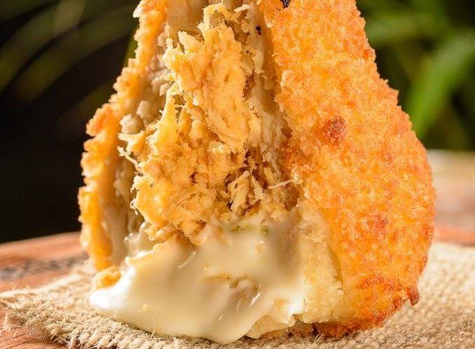 Salgarito Alimenta inaugura primeiro rodízio de coxinhas de Natal