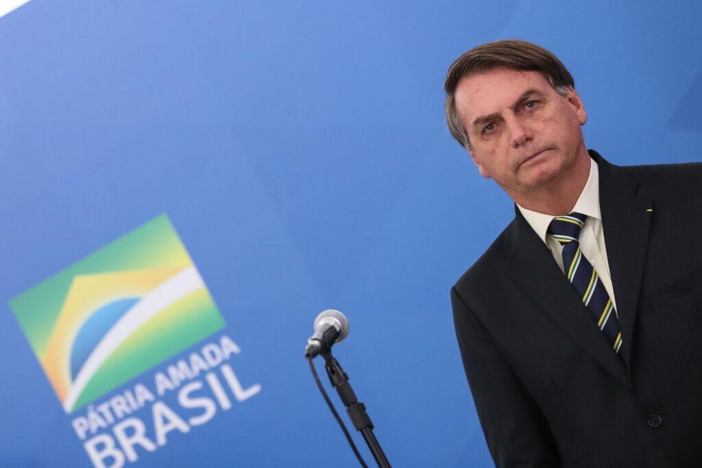 Twitter, Facebook e Instagram excluem vídeo de Bolsonaro
