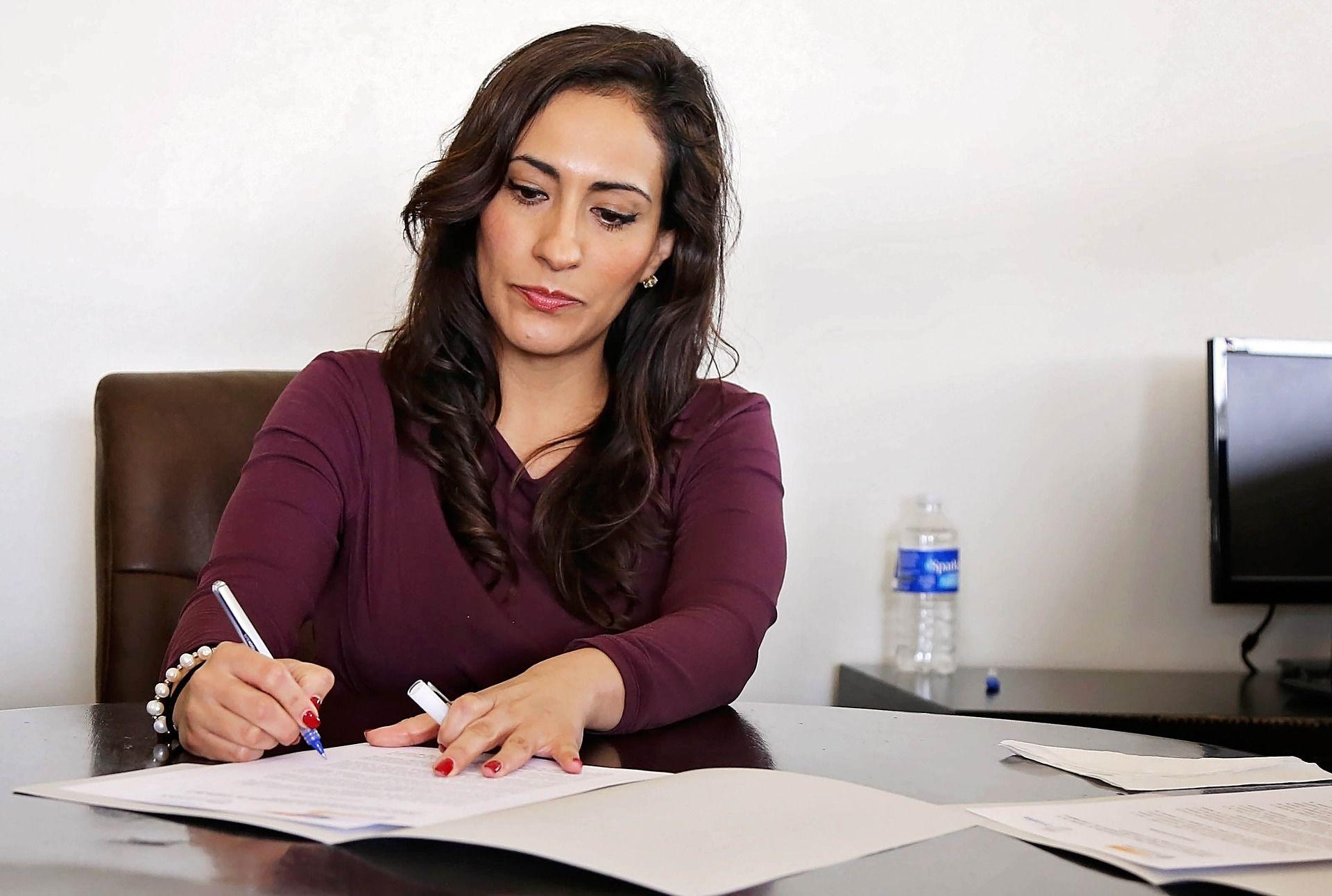 Instituições internacionais ofertam bolsas de estudo exclusivas para mulheres