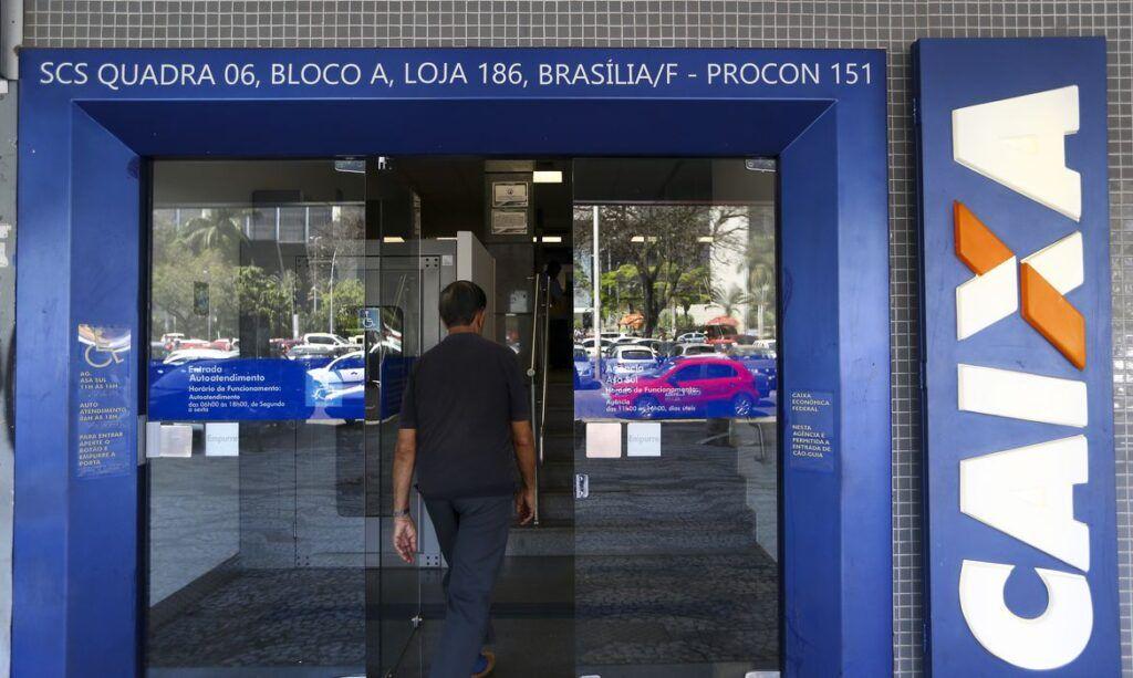 Auxílio emergencial: 3,3 milhões de beneficiários da Caixa recebem nesta sexta (17)