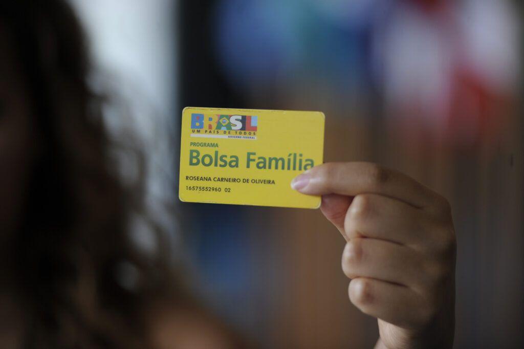 Bolsa Família: beneficiários vão receber auxílio emergencial a partir do dia 16