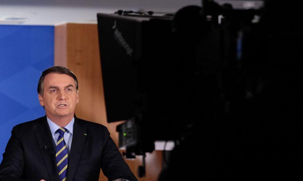 Bolsonaro anuncia produção de hidroxicloroquina no Brasil