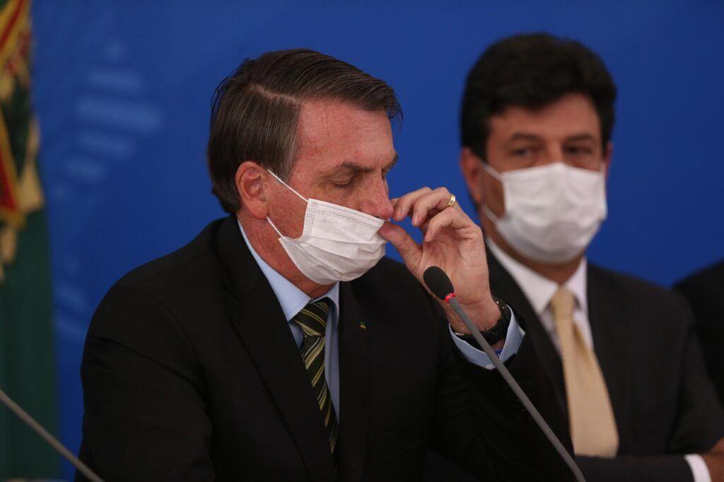Em meio a pandemia, Bolsonaro expõe divergência com Mandetta