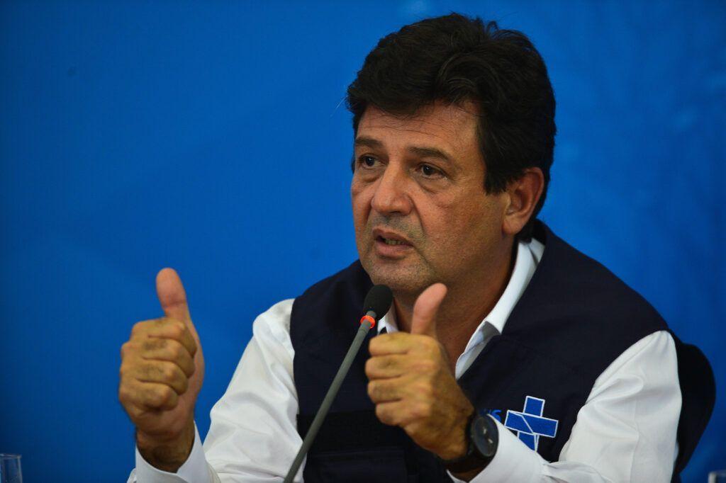 O ministro da Saúde, Luiz Henrique Mandetta; durante a coletiva de imprensa no Palácio do Planalto, sobre as ações de enfrentamento no combate ao coronavírus