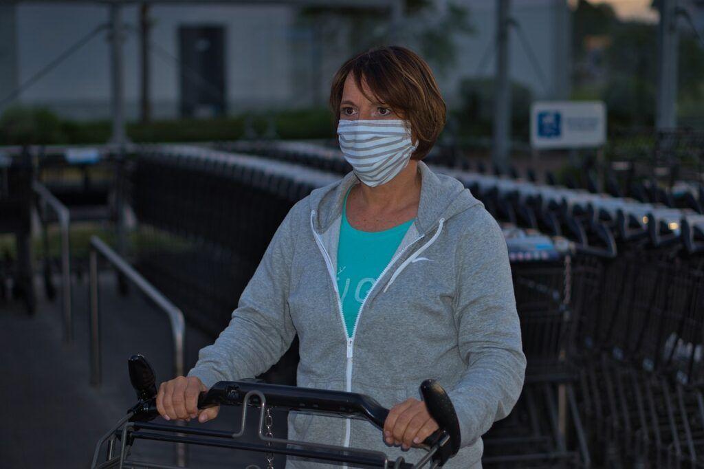 Em Natal decreto obriga uso de máscara no comércio ônibus e repartições públicas