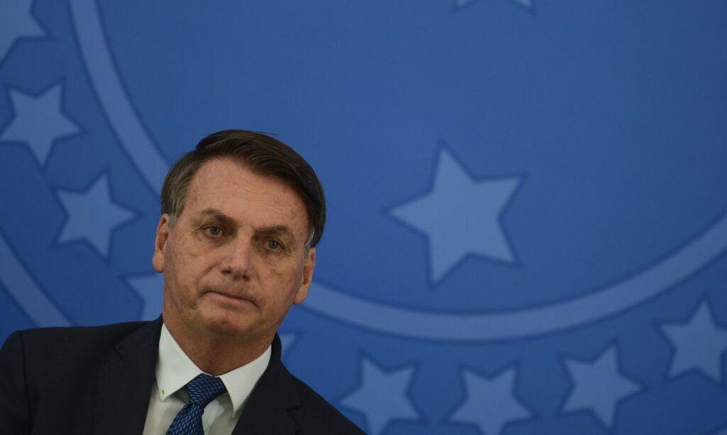 """""""Falta orçamento para repor perdas de estados e municípios"""", diz Bolsonaro"""