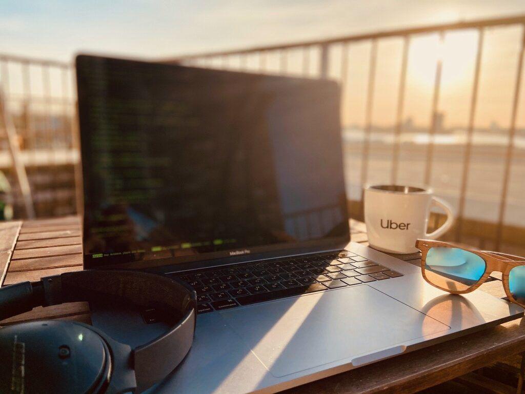 Empresas devem seguir regras para manter teletrabalho e home office