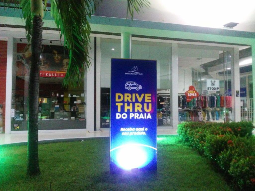 """Lojas do Praia Shopping trabalham em esquema de """"Delivery"""" e """"Drive Thru"""""""
