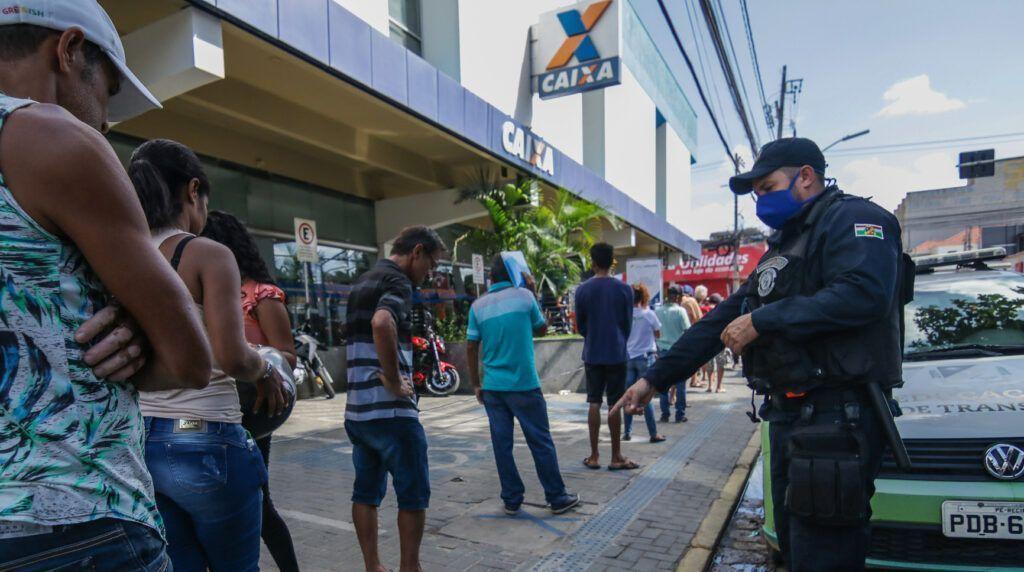 Mais de 30 milhões de pessoas já concluíram cadastro para auxílio emergencial