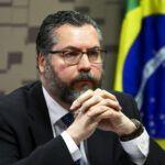 Ministro Ernesto Araújo diz que mundo enfrenta comunavírus