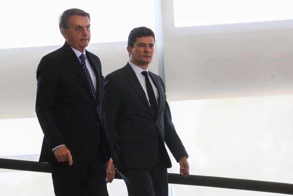 Bolsonaro diz que Moro queria troca na PF após sua indicação ao STF