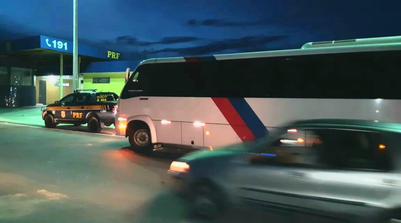 PRF detém motoristas de intermunicipais por descumprir decreto do governo