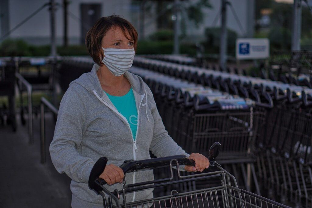 """Senado aprova Projeto de Lei que torna obrigatório """"o uso de máscaras em todo País"""""""