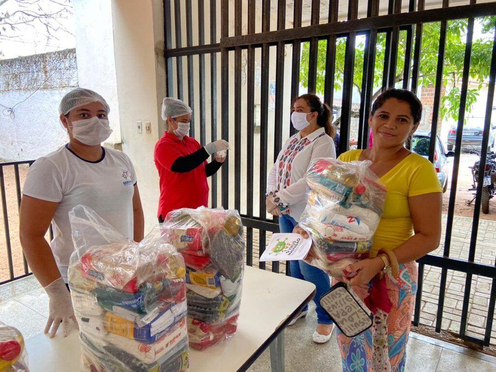 Prefeitura já distribuiu mais de 7 mil cestas básicas aos alunos de Natal