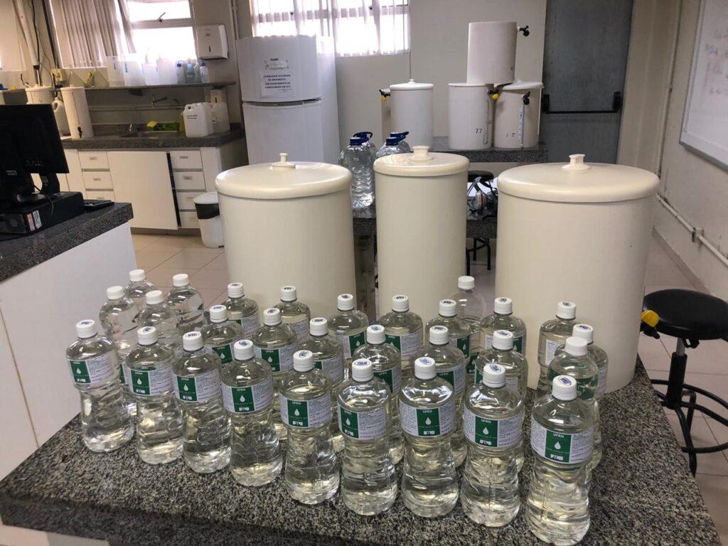 UFRN fornece mais de 4 mil litros de álcool à unidades de saúde do Estado
